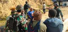 Tokoh adat dan masyarakat datangi Pos Satgas Yonif RK 751/VJS